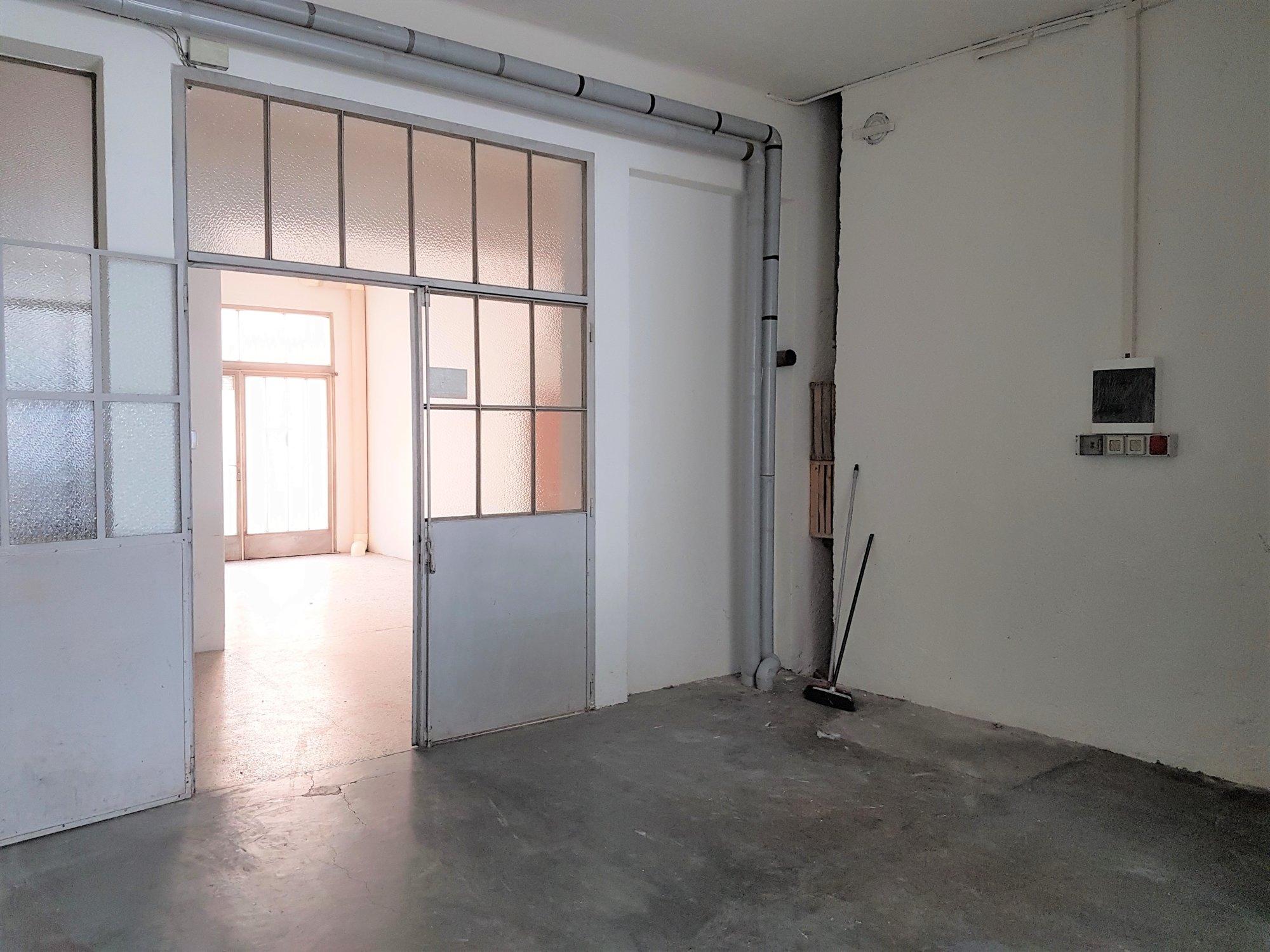 Breite Eingangstür_porta d'entrata larga