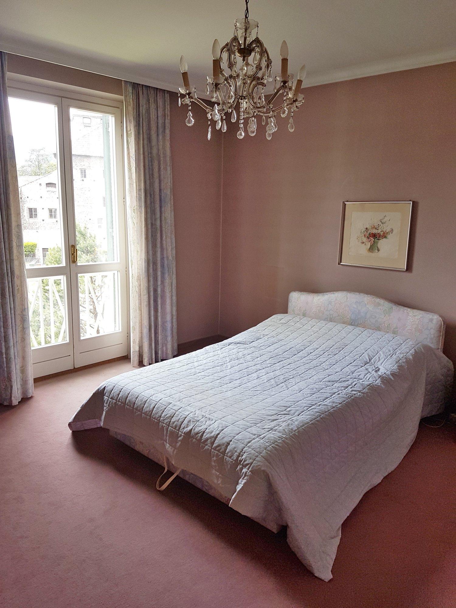 Schlafzimmer mit Bad_stanza con bagno