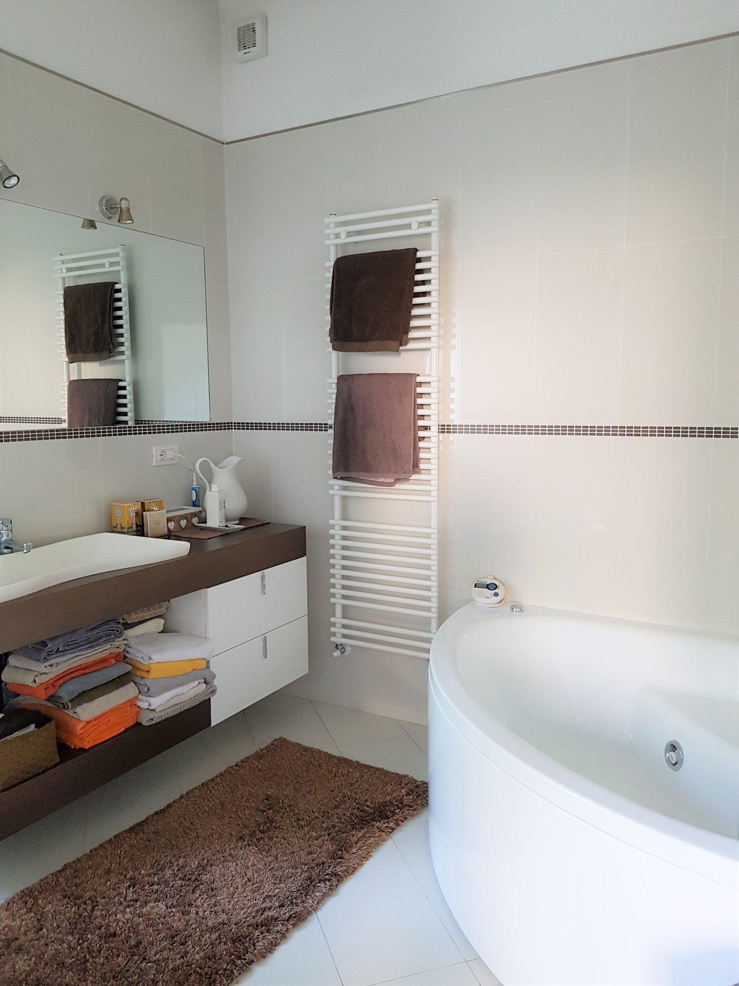 Bad Hauptschlafzimmer