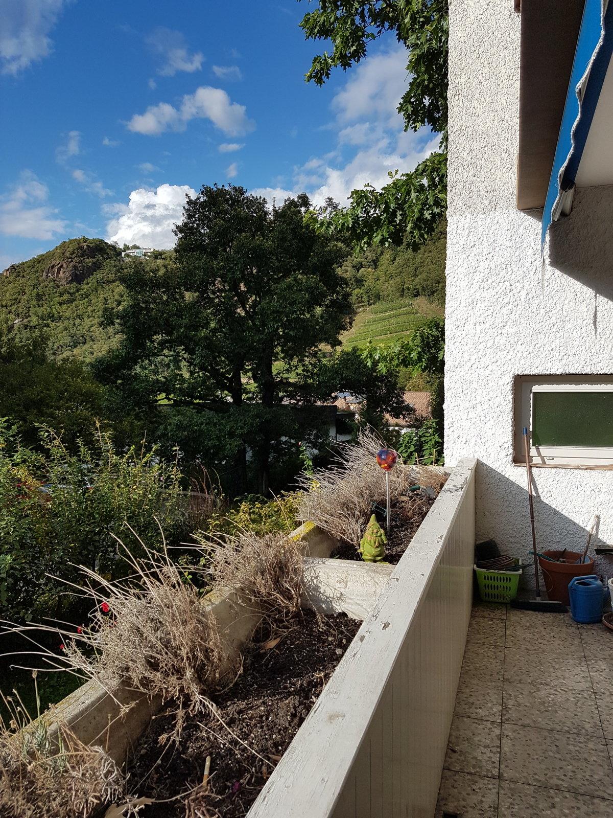 Sonniger Balkon