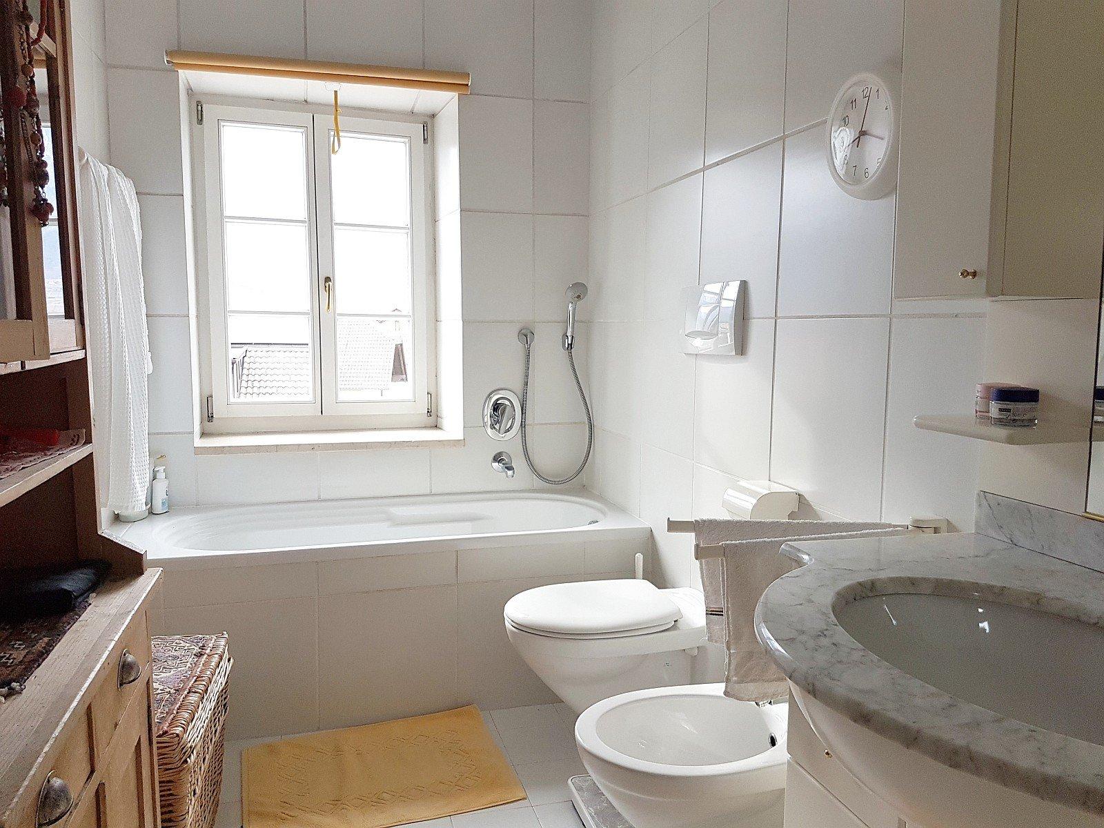 Bad-WC mit Fenster