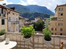 Aussicht vom gemütlichen Balkon