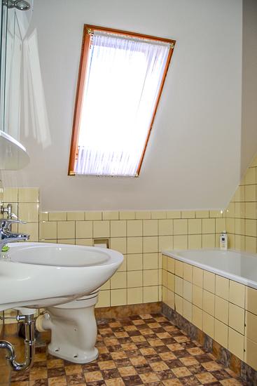 Badezimmer im Dachgeschoss...