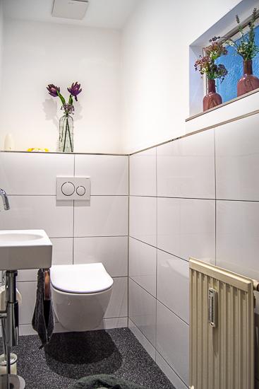 Wohnung EG: Gäste-WC...