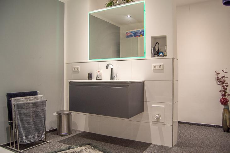 Wohnung EG: Badezimmer...