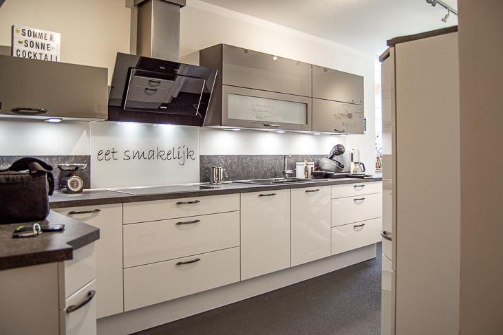 Wohnung EG: Küche...