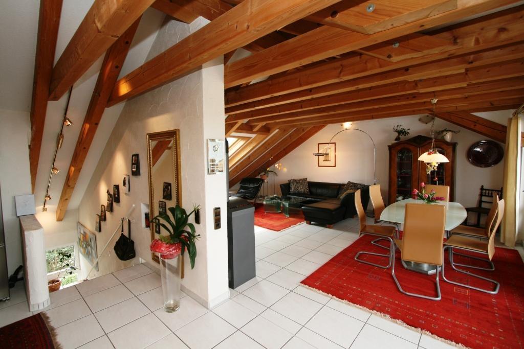 Treppenaufgang - Wohnzimmer