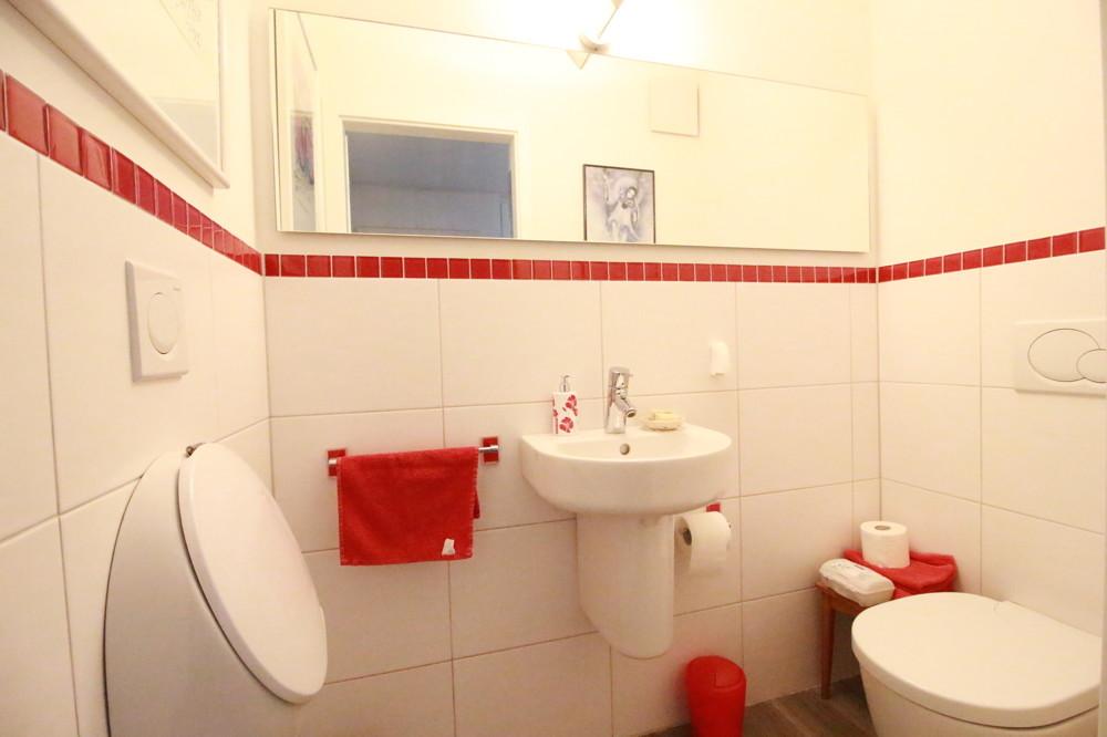 Gäste-WC, frisch renoviert