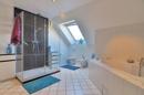 Teilansicht Badezimmer im Dachgeschoss