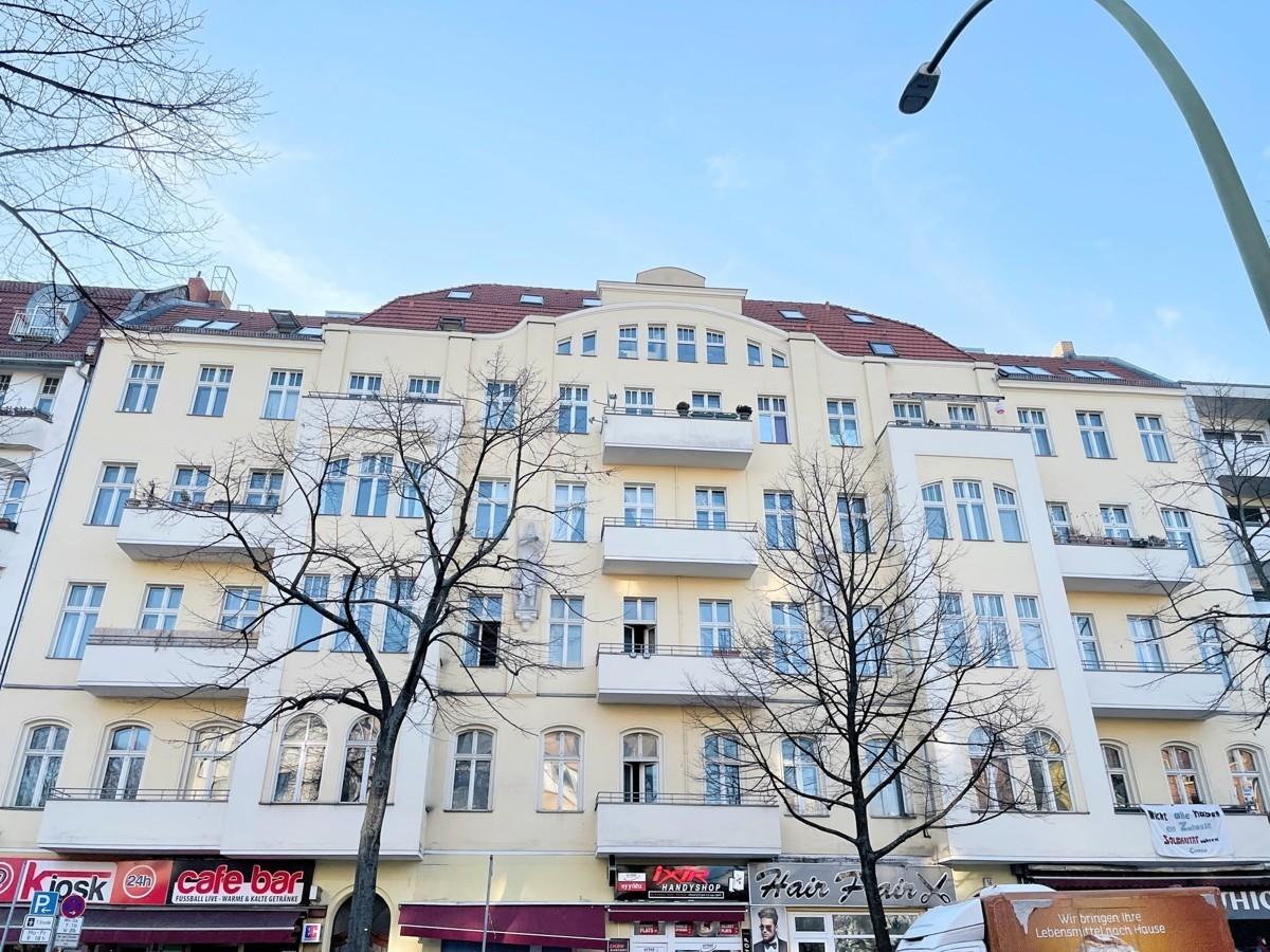 2 Room Apartment Located in Schillerkiez