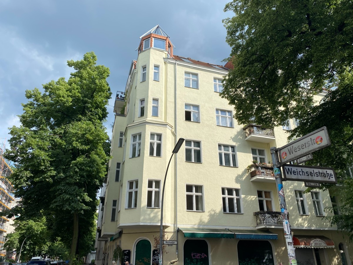 Tenanted Apartment Close to S-Bahn and Parks