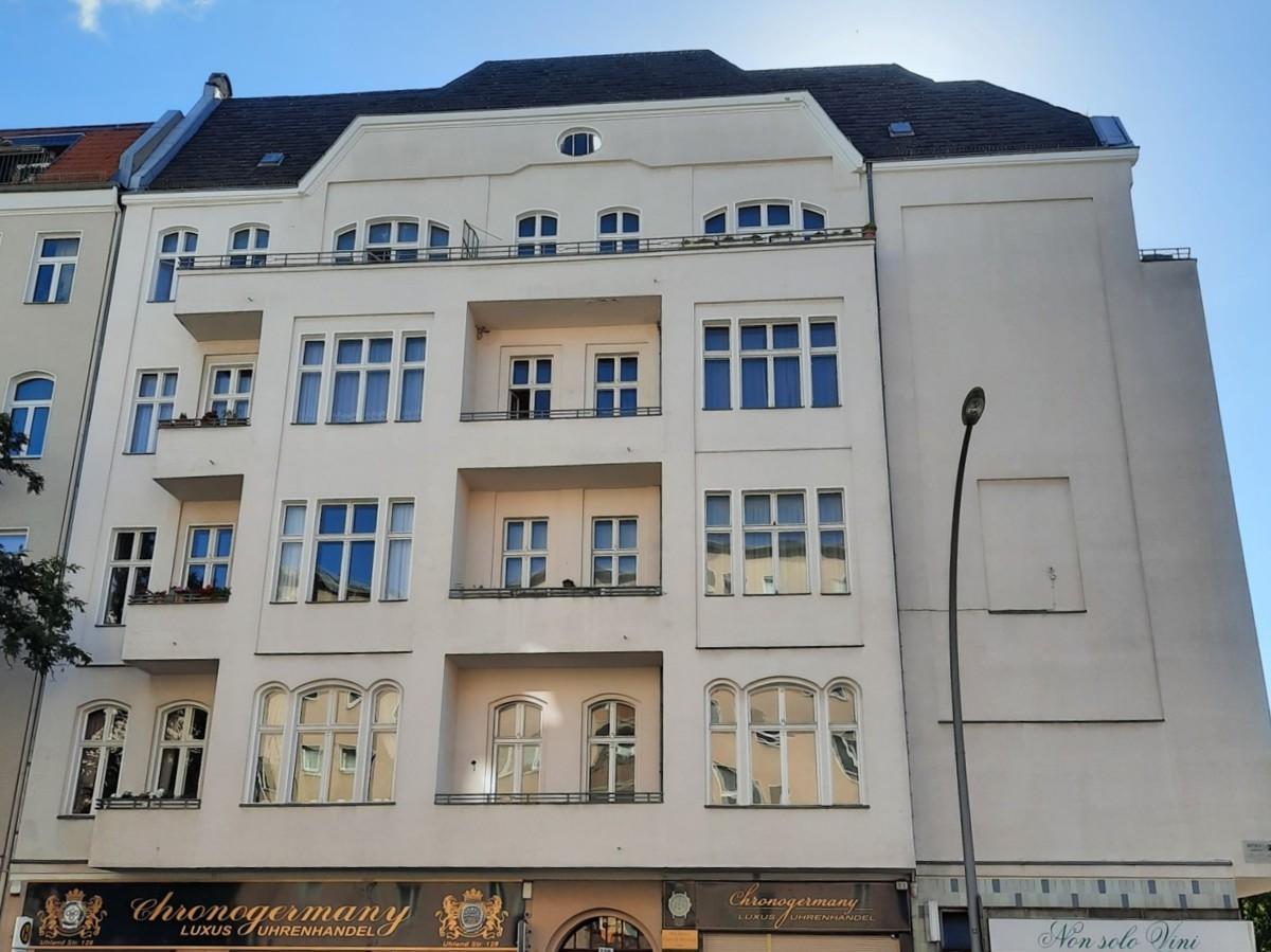 Stunning 4 Room Apartment in Top Berlin West Neighbourhood