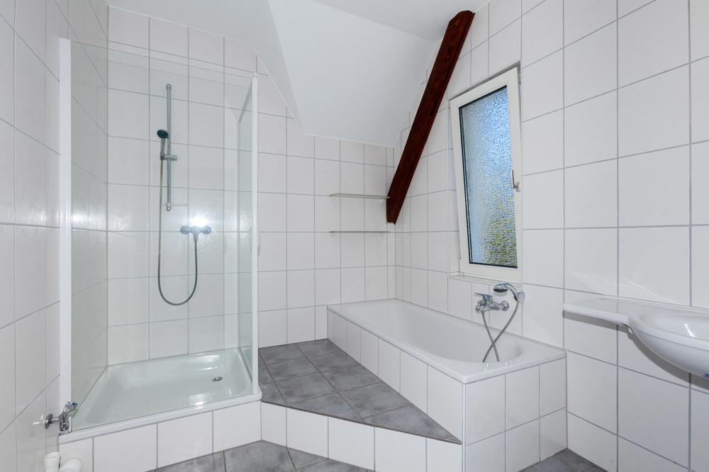 Tagslichtbad Wanne + Dusche