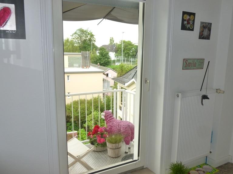 kleine Balkon an der Küche