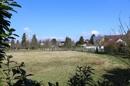 Blick vom Garten über Wiesen und Felder