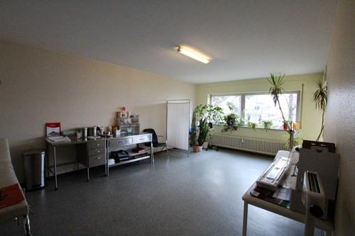 Wohnzimmer mit Aussgang zur Loggia