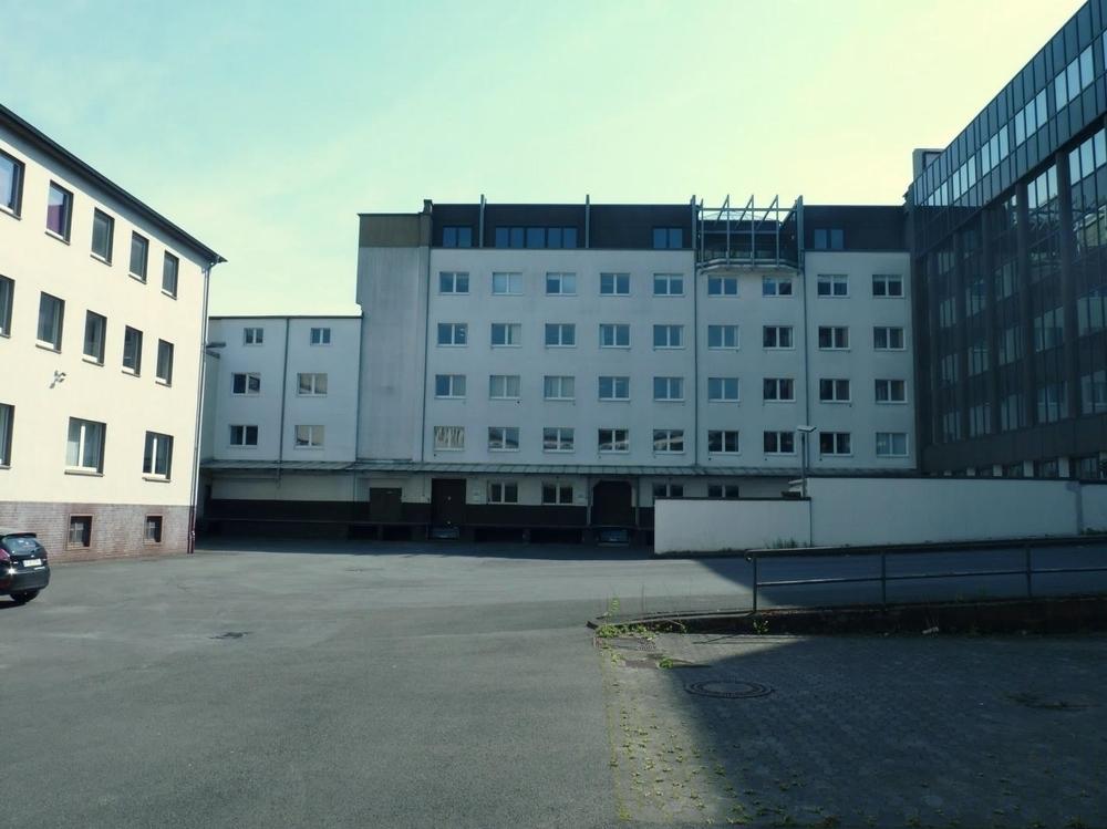Gebäudeteil mit Terrasse