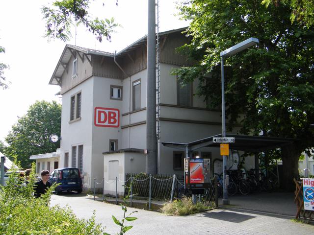 Empfangsgebäude Hochheim am Main_06 (1)