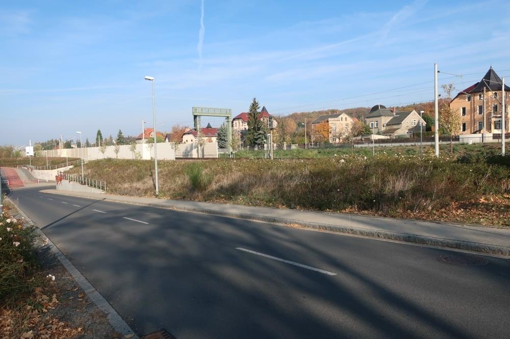 Bahnhofstr. EG Böschungsfläche