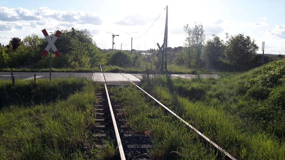 Strecke mit BÜ Ri Westen