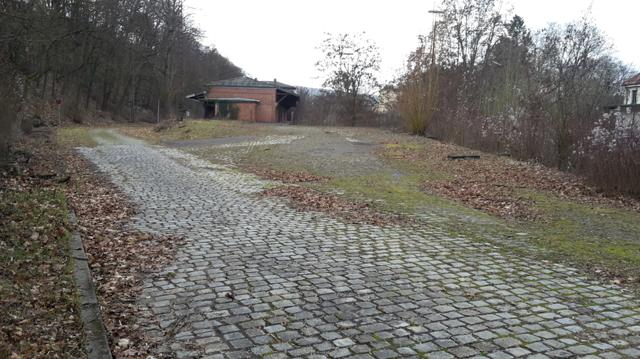 Einfahrt zum Ladehof