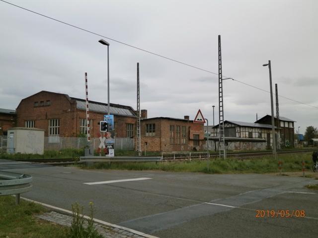 Blick auf Werkstatt- und Lagergebäude des ehem. Bahnbetriebswerkes Arnstadt