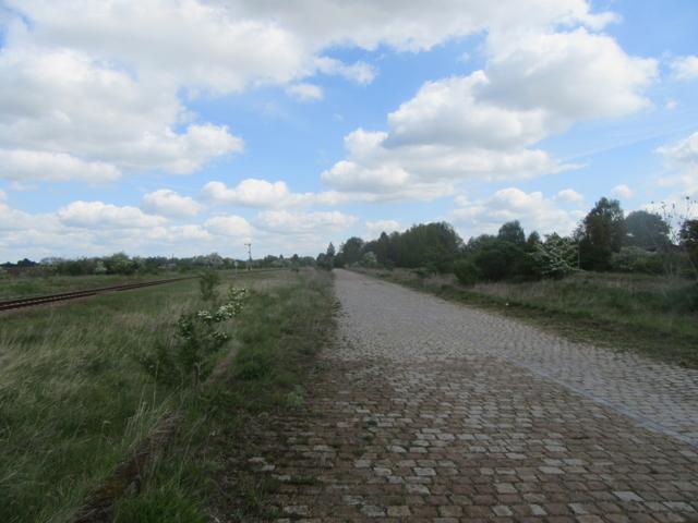 Lade- und Zufahrtsstraße