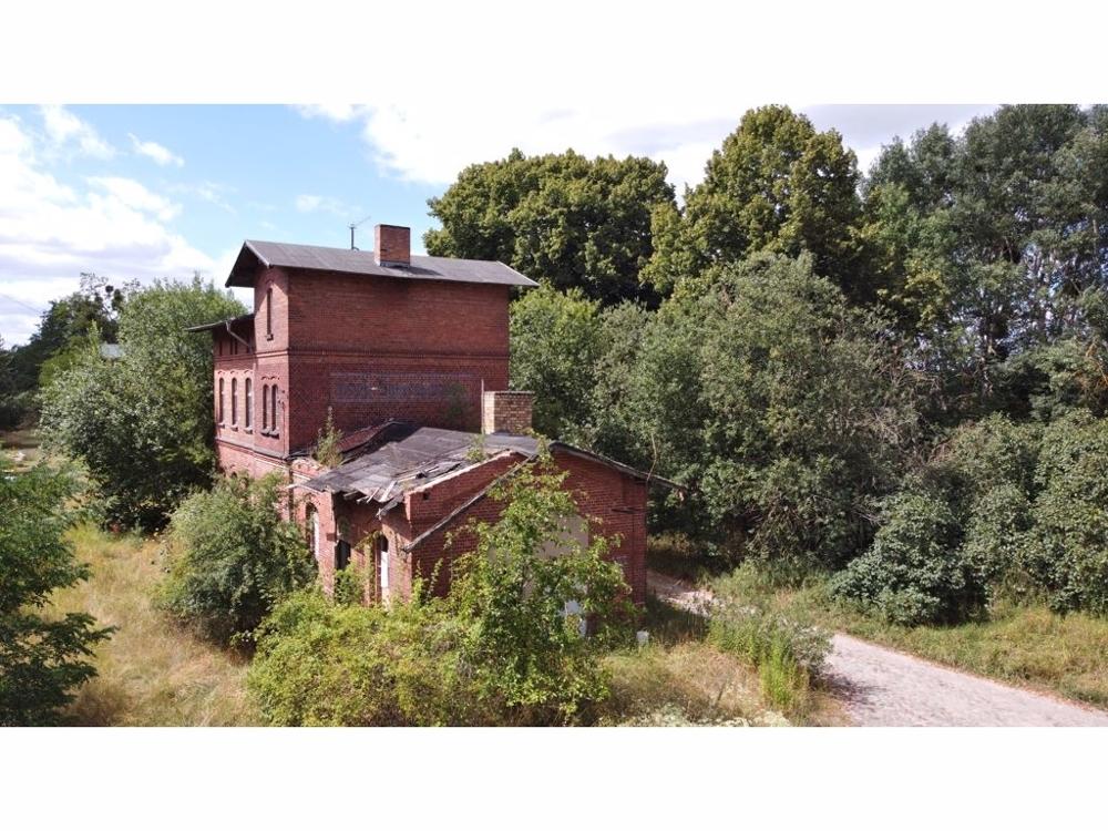 01c-17291 Gro Sperrenwalde Am Bahnhof 4.JPG
