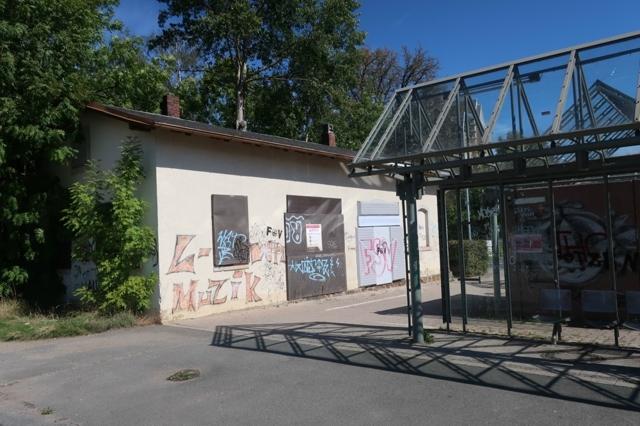 Lichtenstein Wirtschaftsgebäude Bahnhofseite