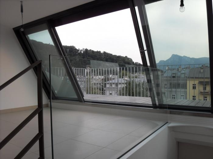 Dachterrasse mit Balkon