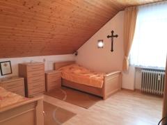 Schlafzimmer 2 (DG)