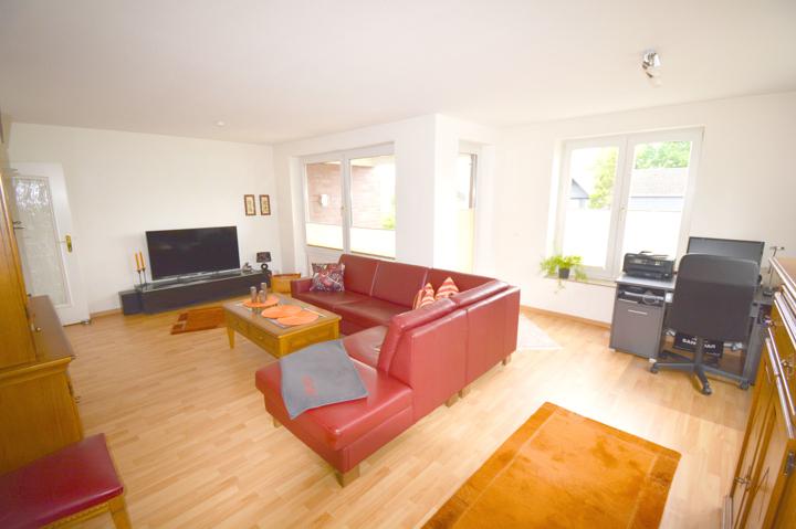 Wohnzimmer mit Loggia Zugang