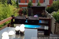 Zugang zum Garten über Terrasse