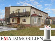 Mehrfamilienhaus mit Gewerbeeinheit
