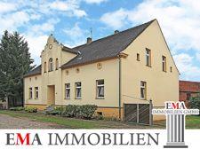Mehrfamilienhaus mit Gästehaus..