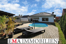 Einnfamilienhaus mit Swimmingpool..