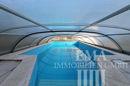 großer Swimmingpool