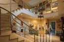 Flur-Treppe ins Kellergeschoss