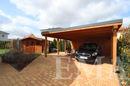 Carport und Gartenhaus