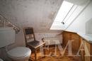 Renovierungsbedürftiges Bad im Dachgeschoss