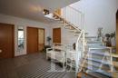 Diele und Treppe ins Dachgeschoss