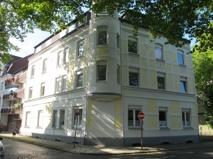 Straßenseite Ansicht Eckhaus