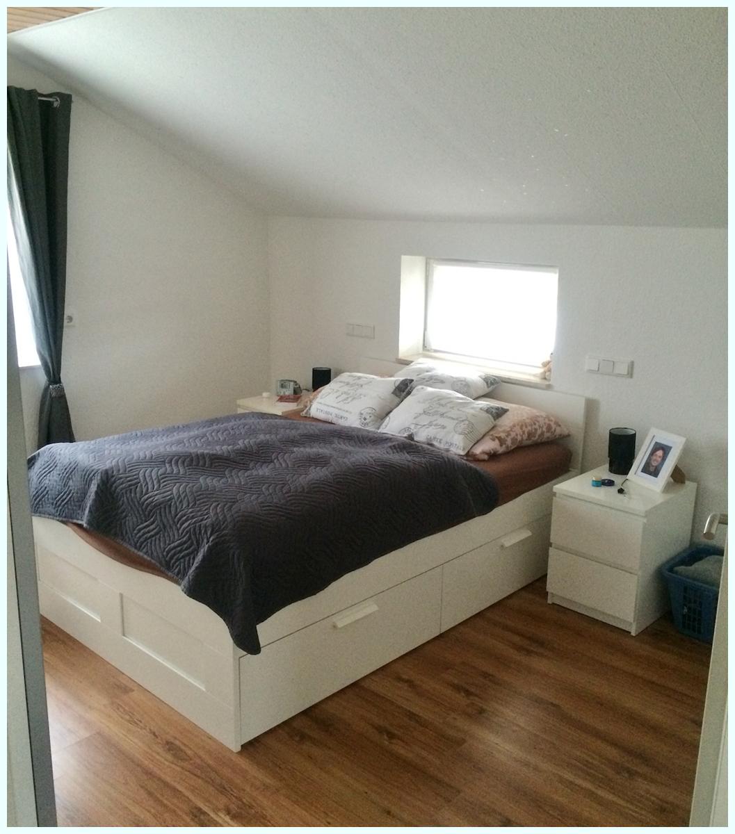 0646 im Schlafzimmer