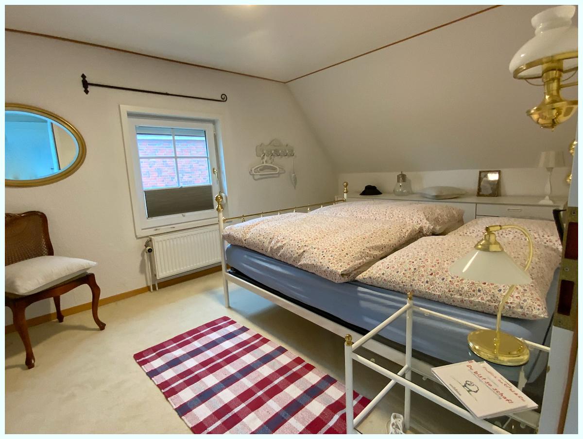 0654 Schlafzimmer 2 oben