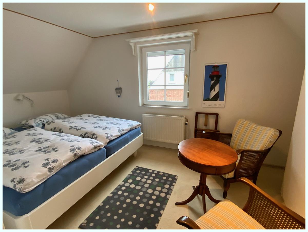 0654 Schlafzimmer oben