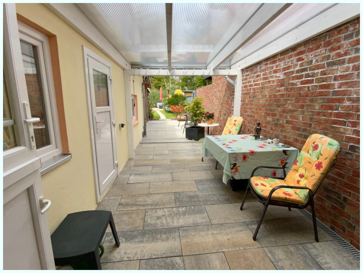 0676 überdachte Terrasse