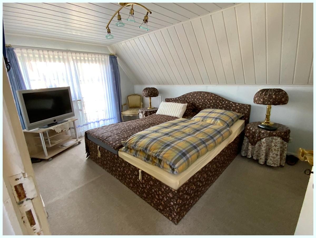 0682 Schlafzimmer oben