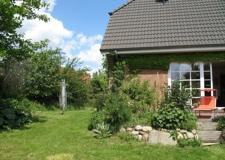 0283-im-Garten