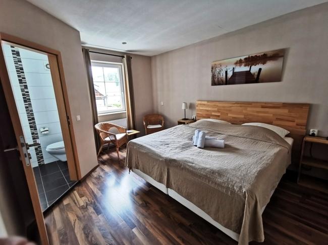 1OG Schlafzimmer 1