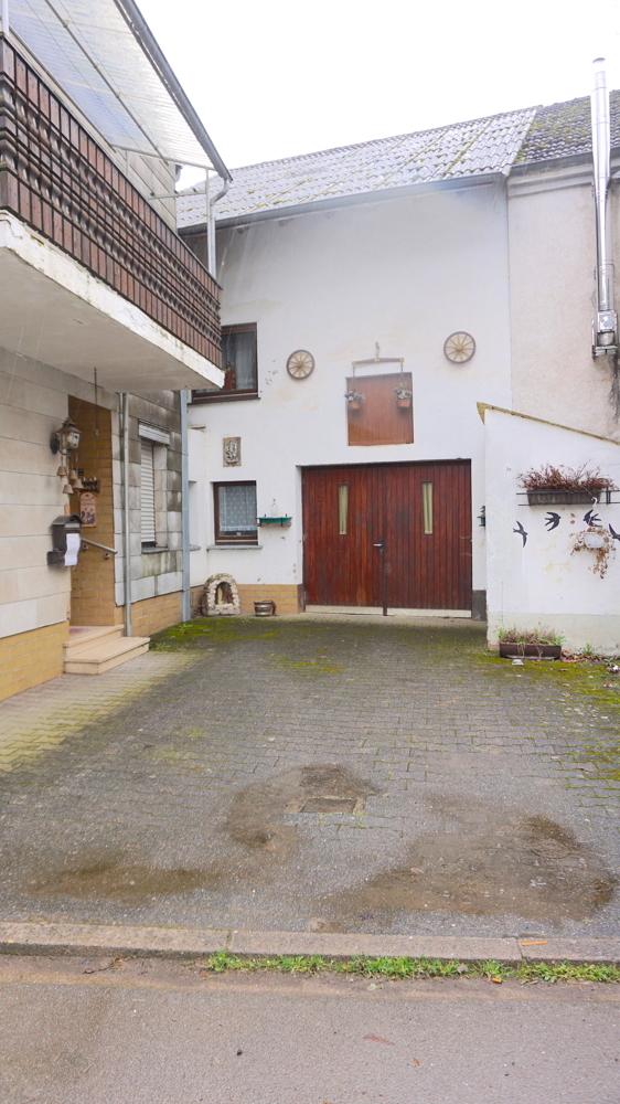 Einfahrt/Garage/Scheune